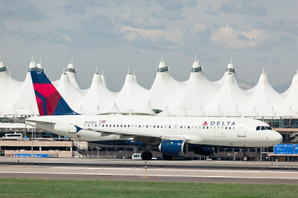 Delta-2000-employees-furloughed