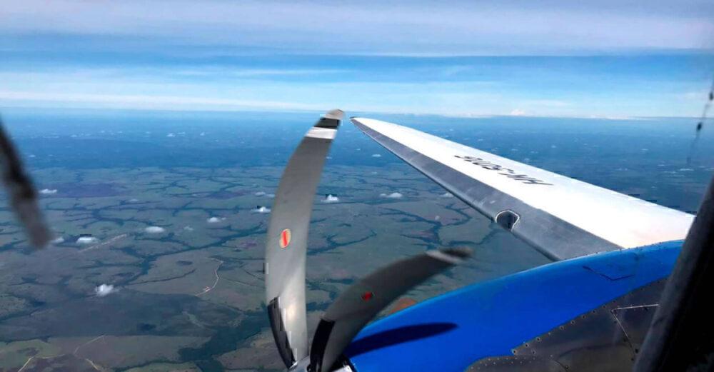 Over the wing DC3 Aliansa