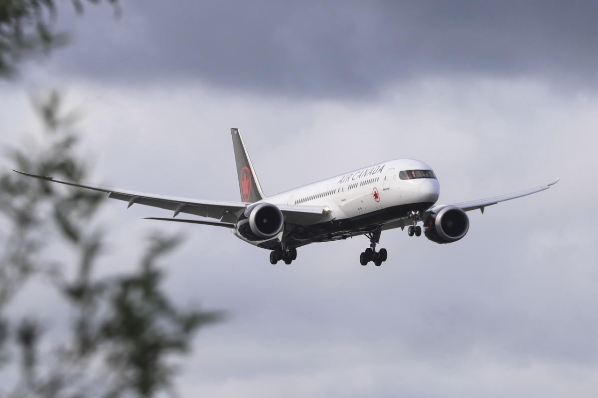 Canada Considers Lifting India Flight Ban