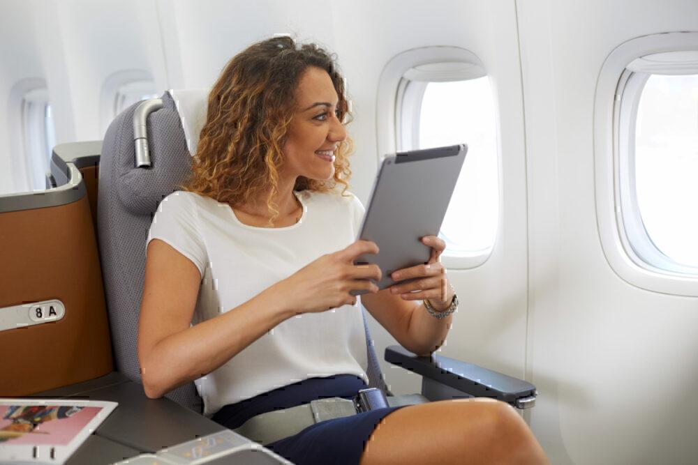 woman with ipad, Lufthansa