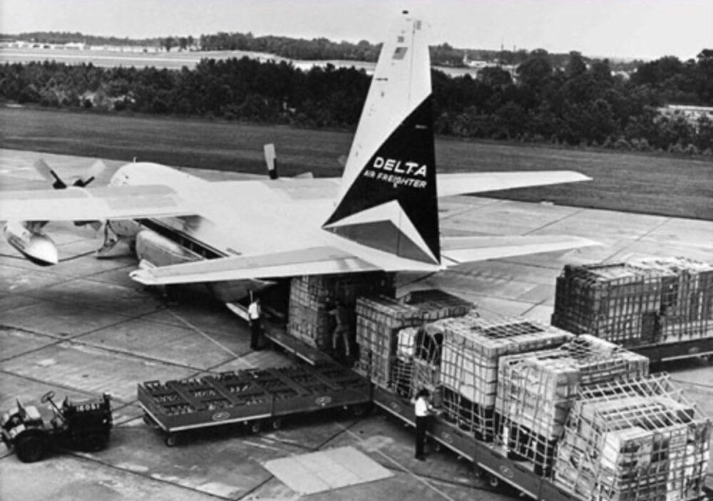 Delta Lockheed L-100 Rear