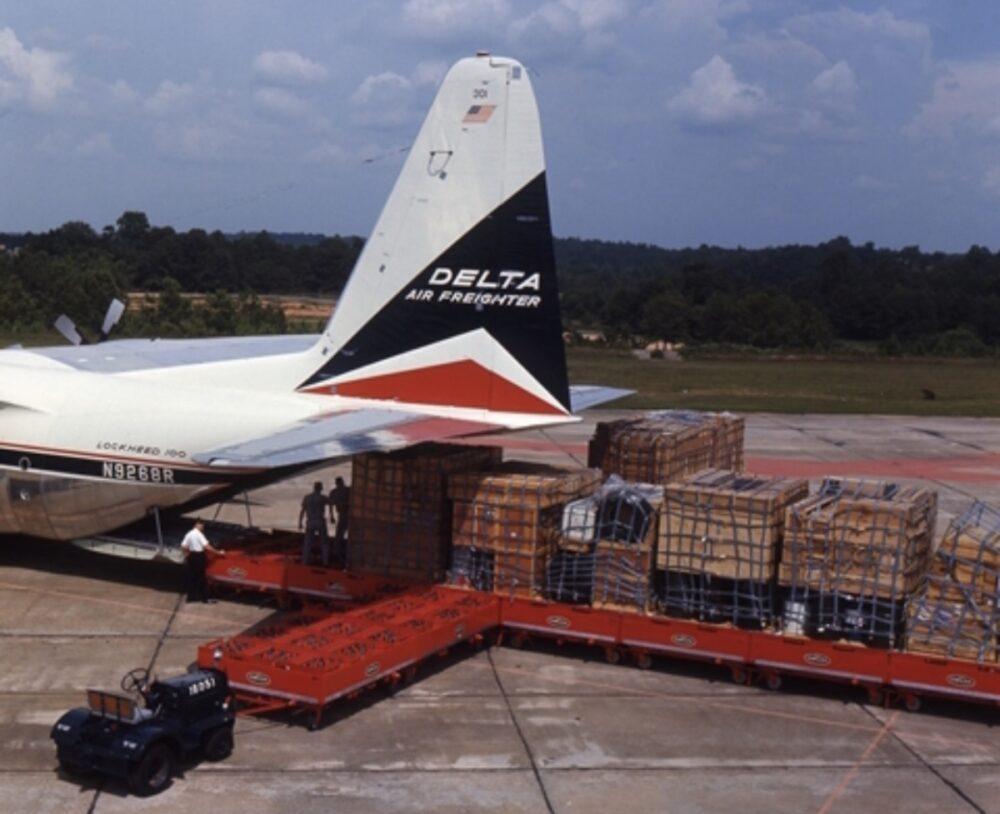 Delta Lockheed L-100 Cargo