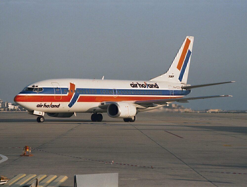 Air Holland 737