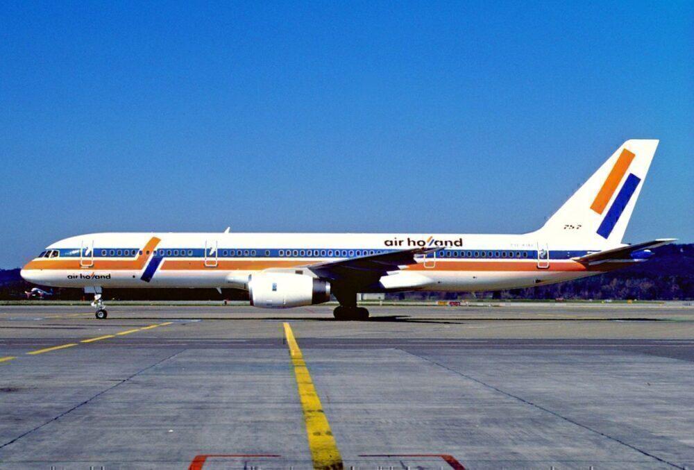 Air Holland 757