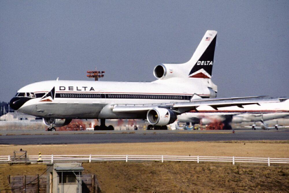 TriStar L-1011.