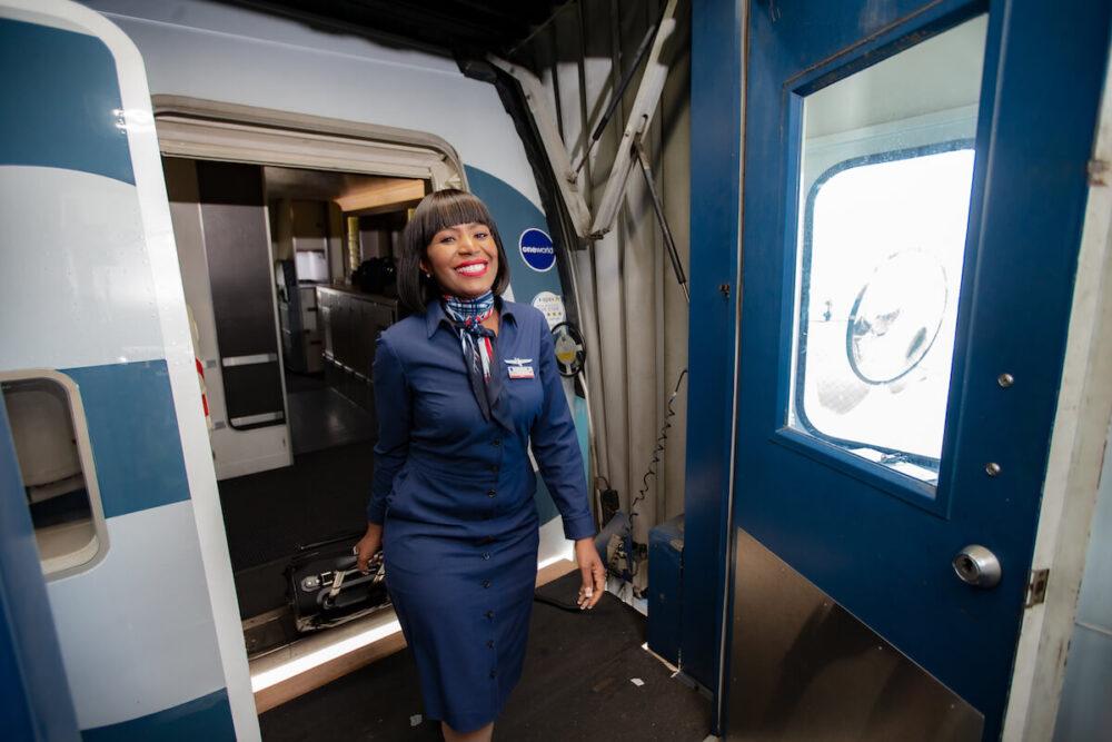 Flight attendant walks off plane