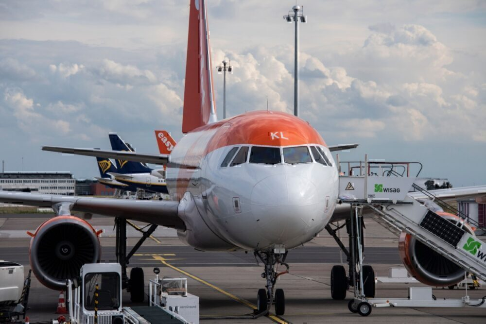 EasyJet to nosedive into first-ever annual loss of over $1 bln