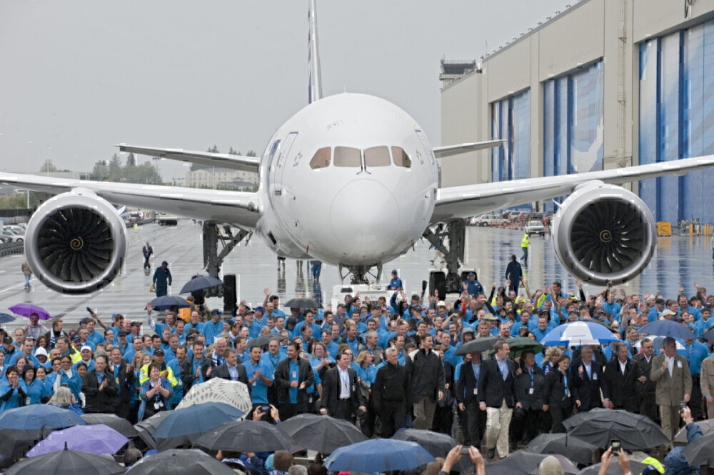 Boeing 787 First Delivery