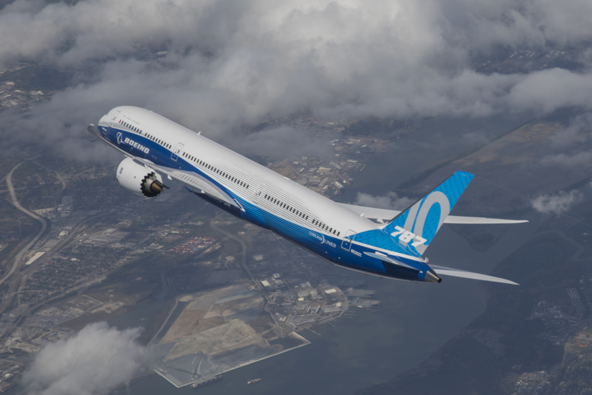 FAA Recommends Airlines Warn Pilots About Boeing 787 ILS Issue