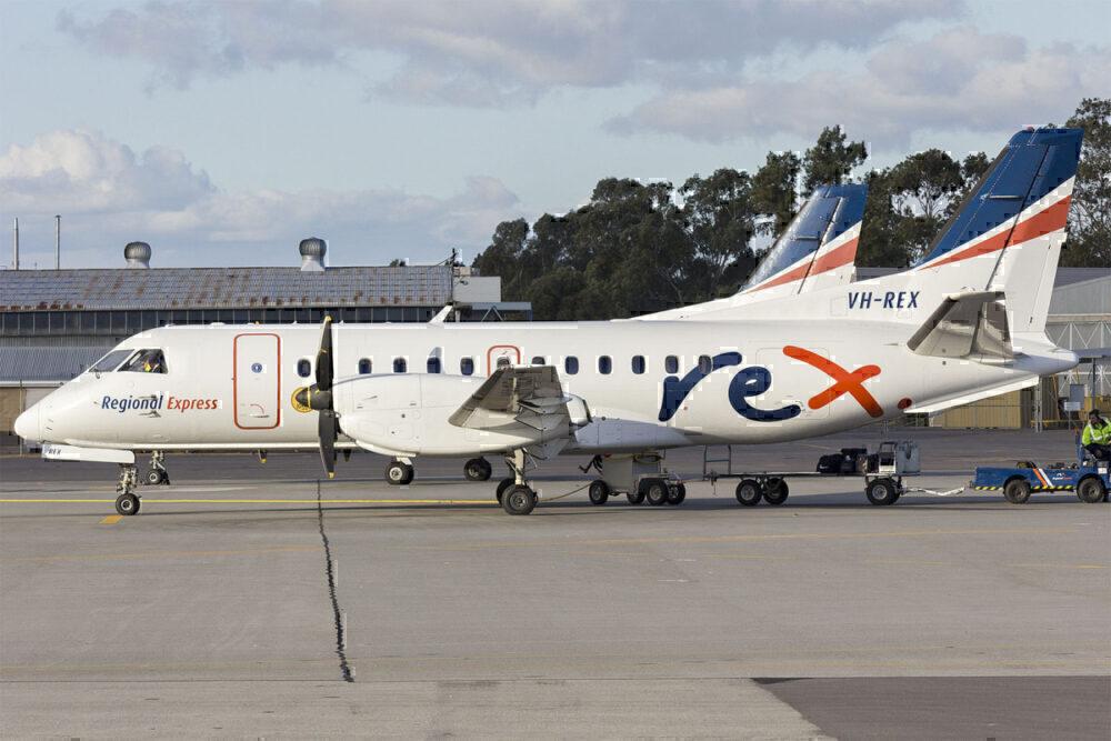 Rex orders 737s