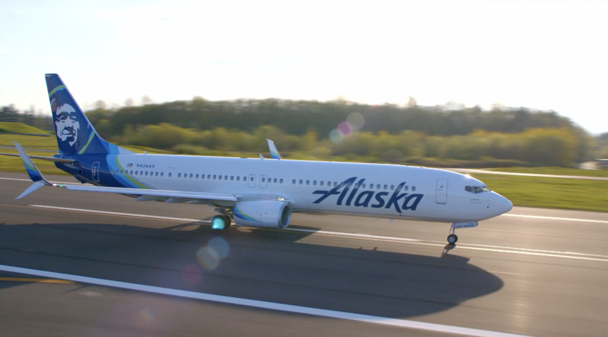 "Alaska Airlines ""Buy One Get One"" Row Promotion Returns"