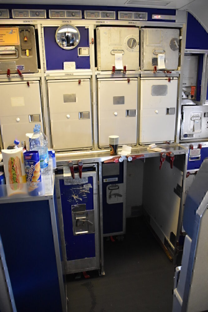 Ovens on a 737