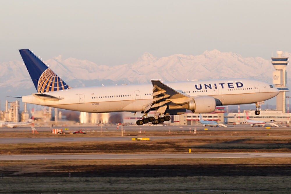 United 777 Milan Malpensa
