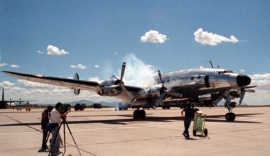 VC-121A_starting_engines_at_Davis-Monthan_AFB_1990