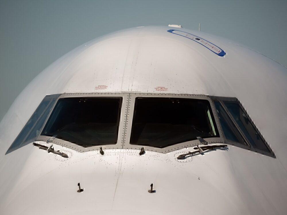 747 roof hatch