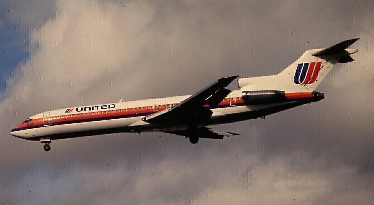United B727-200