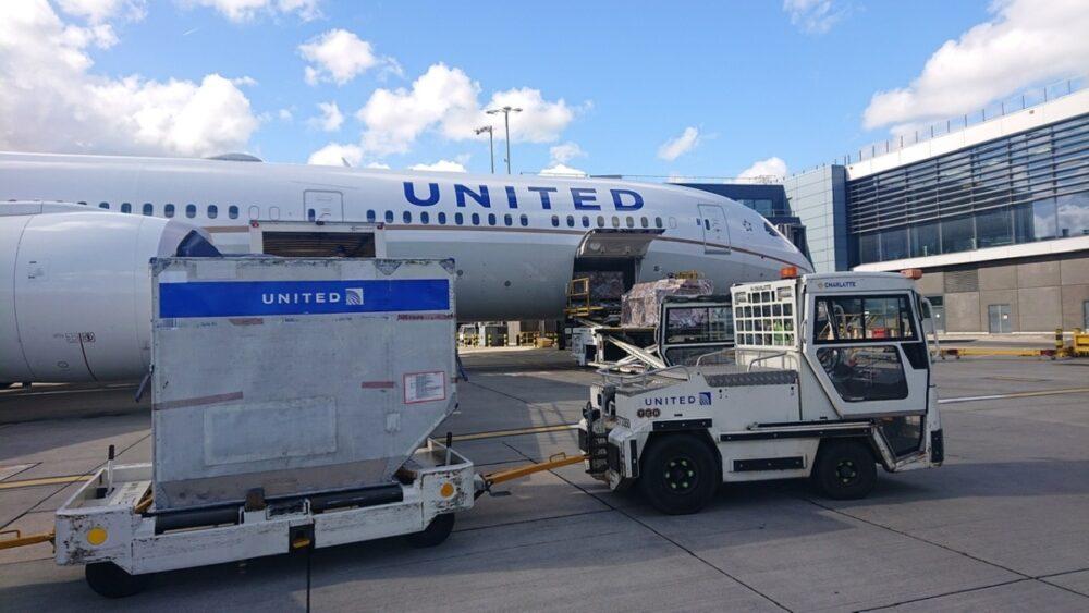 United Cargo Plane