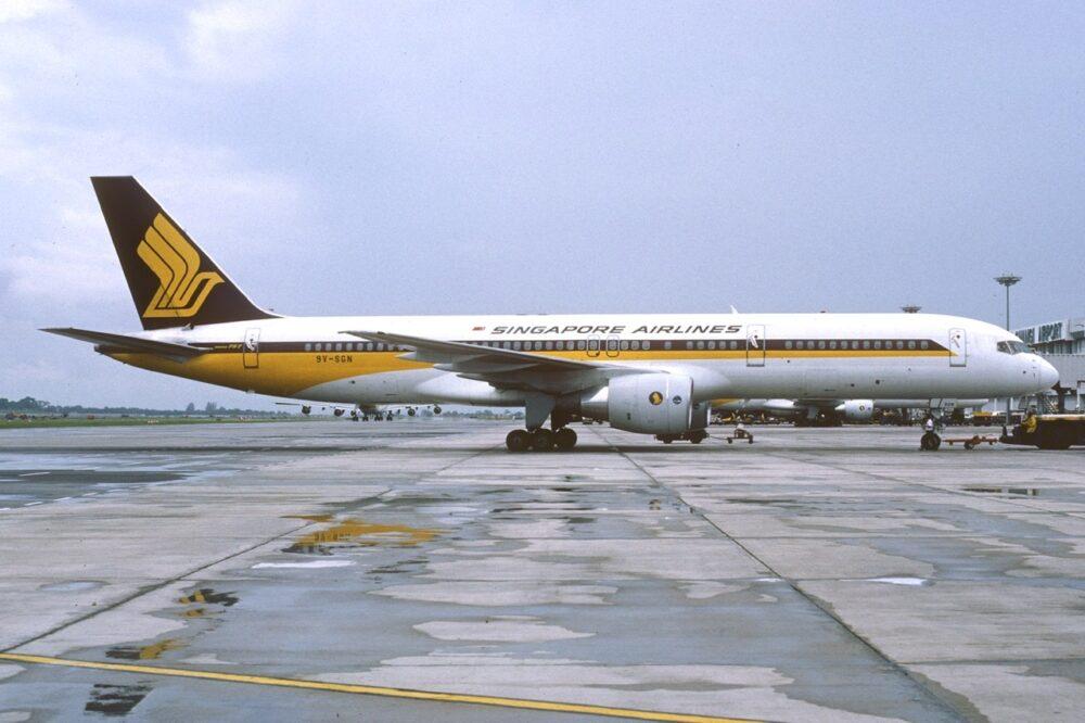 Singapore Airlines 757