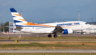 A SmartWings Boeing 737-700 about to land at Milan Malpensa