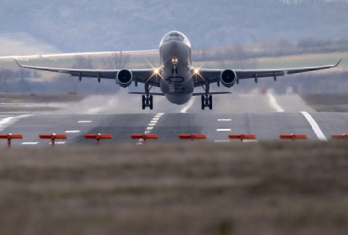 Pakistan Approves 30% Increase In International Flight Departures