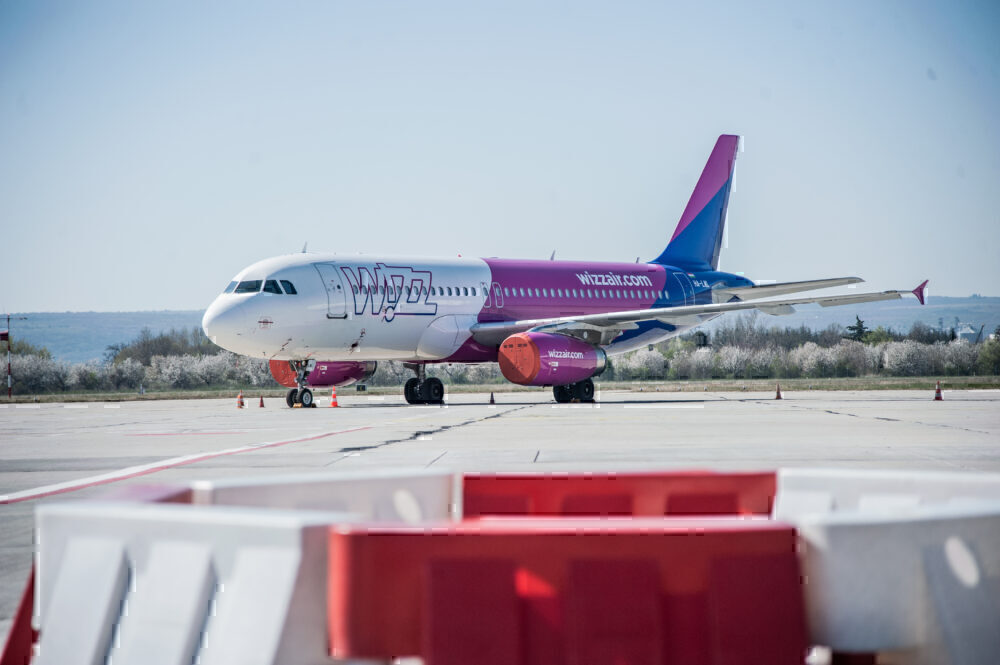 Wizz Air, London Gatwick, Base