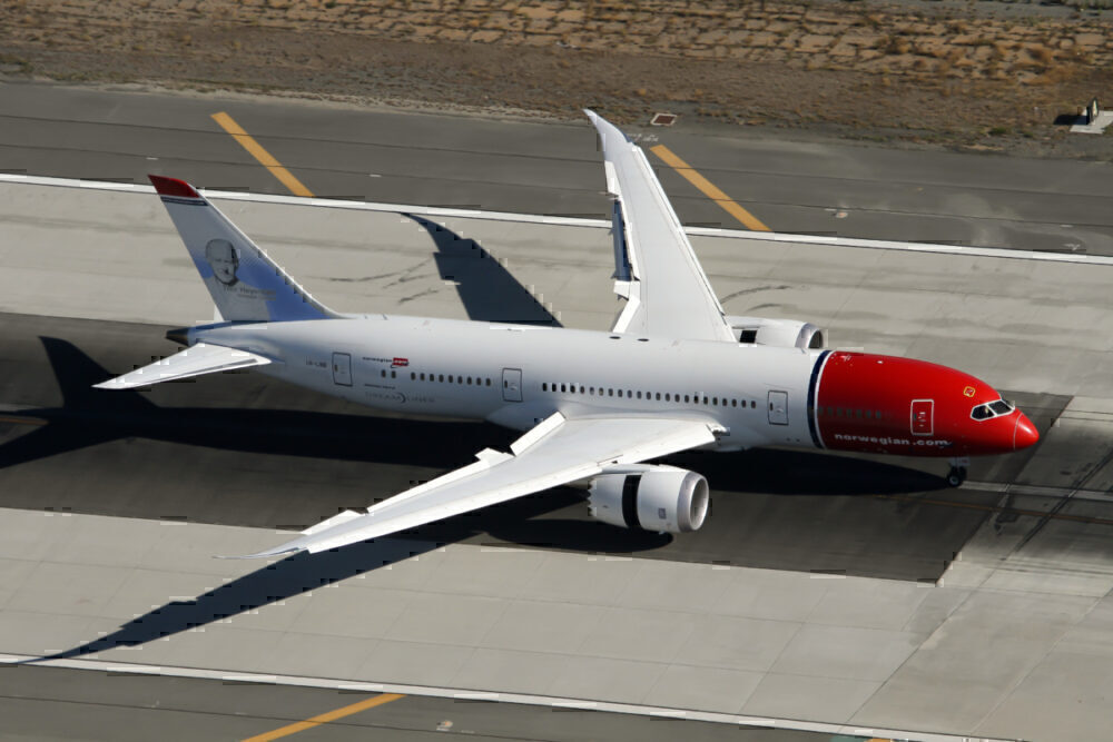 Norwegian selling two 787s to Neos Air