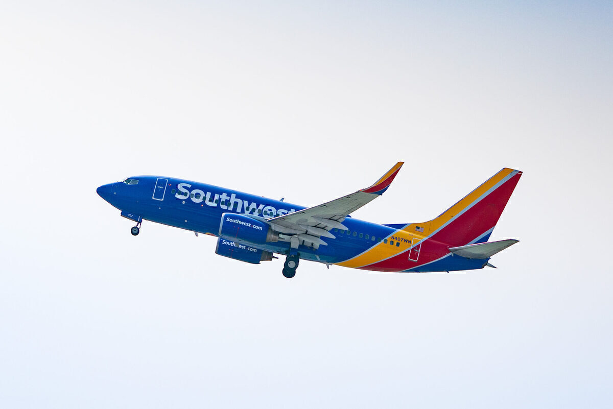 Blocking Middle Seats Will Cost Southwest Up To $100mn