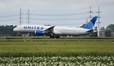 United Boeing 787 Getty