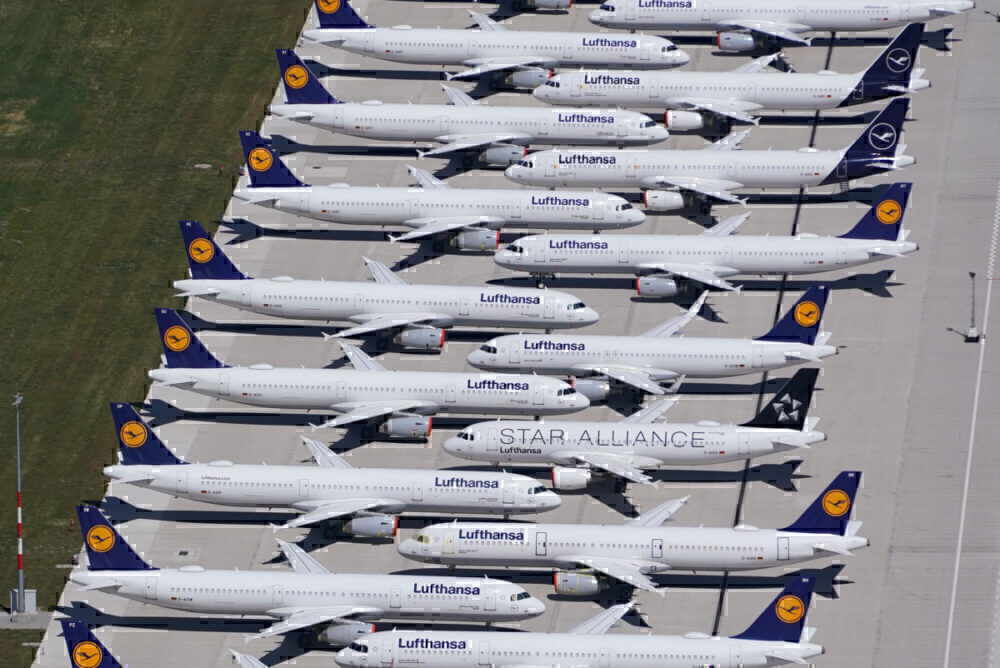 Lufthansa parked and grounded planes