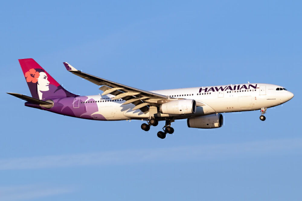 Hawaiian Airbus A330 243 N393HA 1