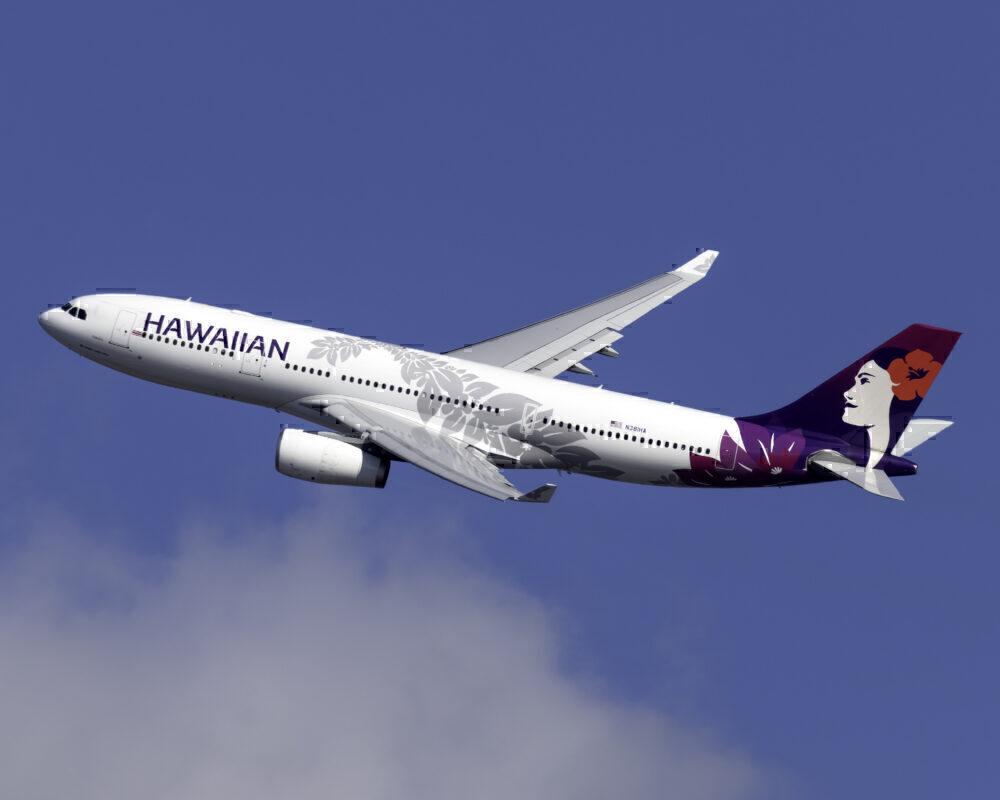 Hawaiian Airlines Airbus A330-243 N381HA