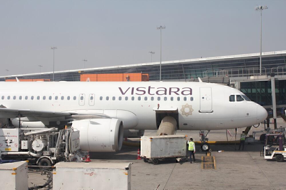 Vistara A320 parked