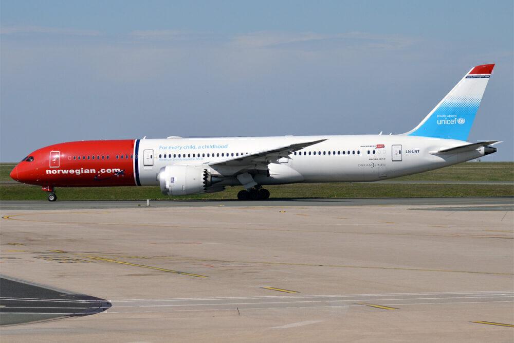 Norwegian 787s to Neos