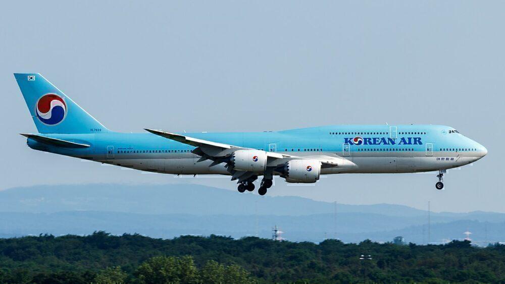 Korean_Air_Lines_Boeing_747-8