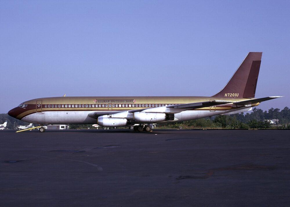 Led Zeppelin Boeing 720 Starship Exterior