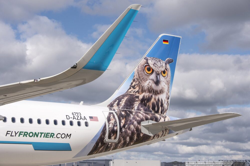 A321_Frontier_close_up