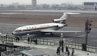 Japan Airlines 727