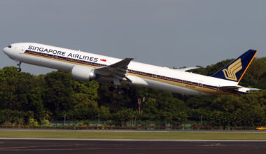 Singapore Airlines 777-300ER Plane