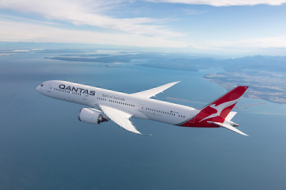 Qantas-london-repatriation-flight