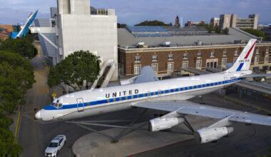 Douglas DC-8