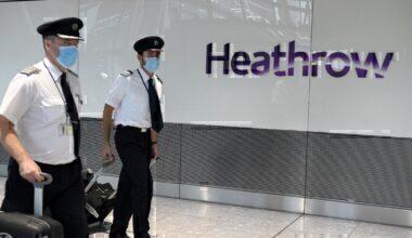 Heathrow pilots mask