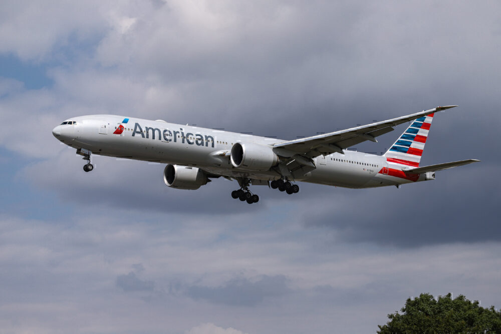 American Airlines Boeing 777 Landing At London Heathrow