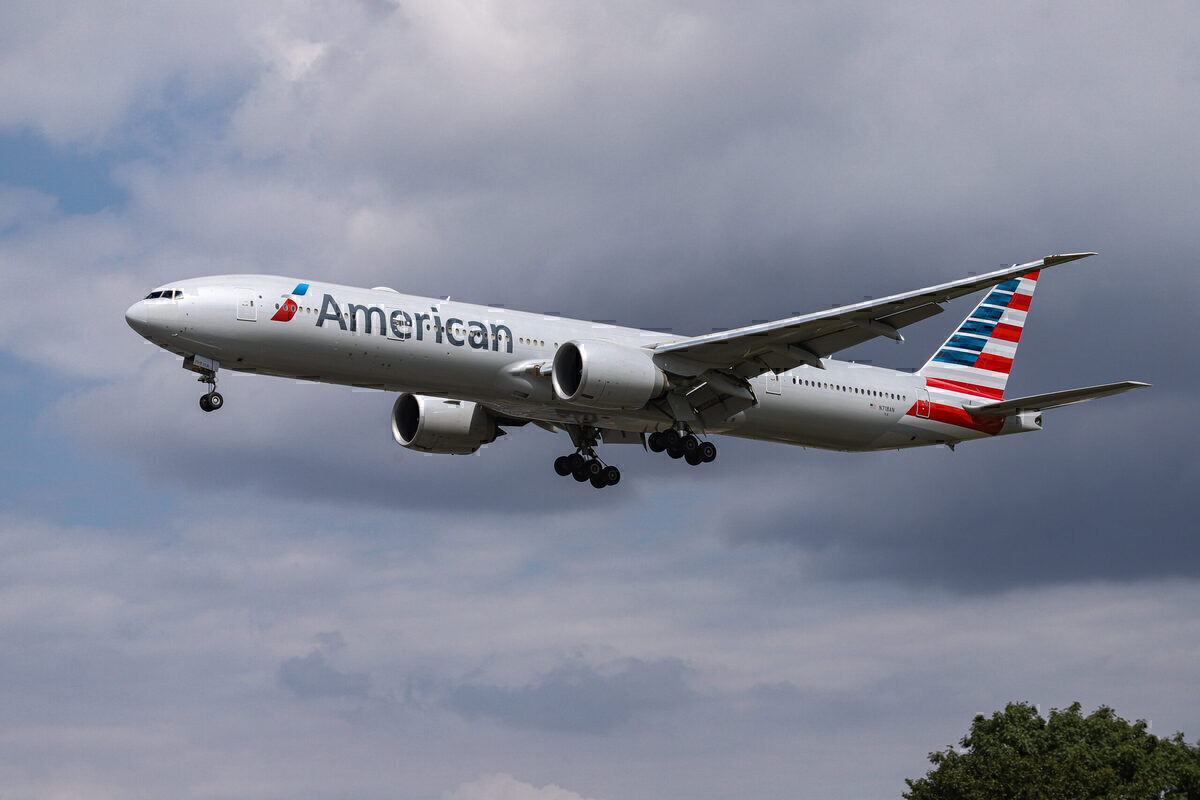 American Airlines Set To Begin Selling Its On Board Wine Online