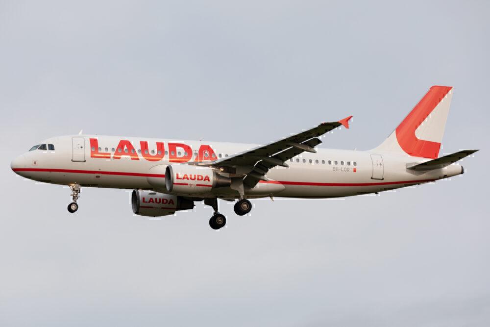 Lauda Ryanair Airbus A320
