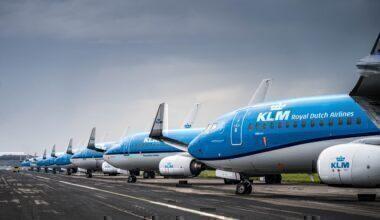 KLM 737 parked