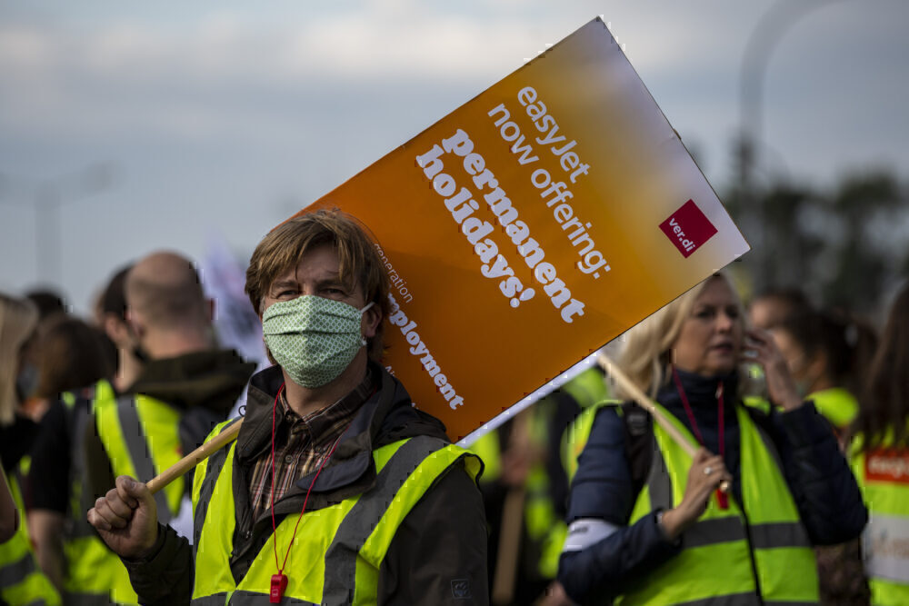 EasyJet Employees Protest Cuts To Berlin Hub