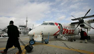 Air Canada Jazz Dash 8 Getty