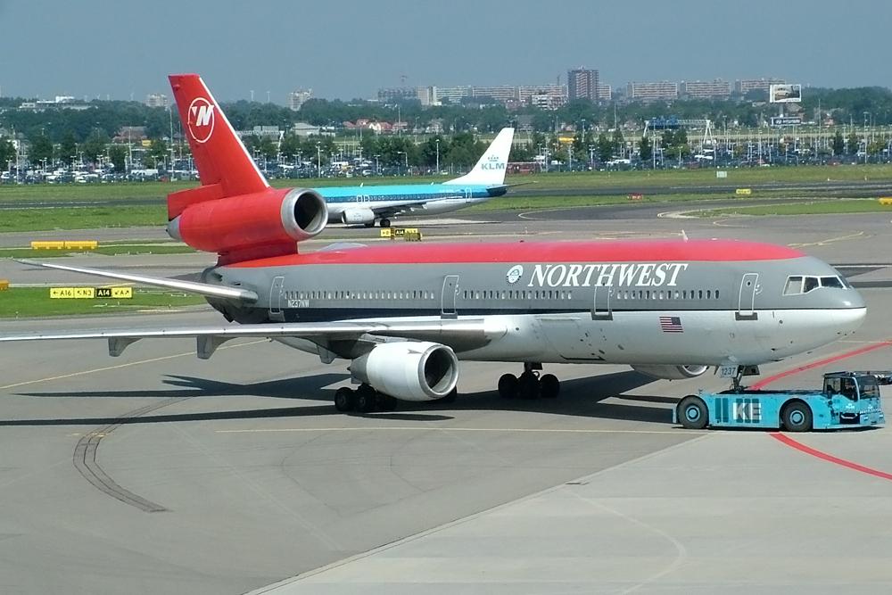 Northwest DC-10