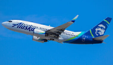 Alaska Airlines Boeing 737-700