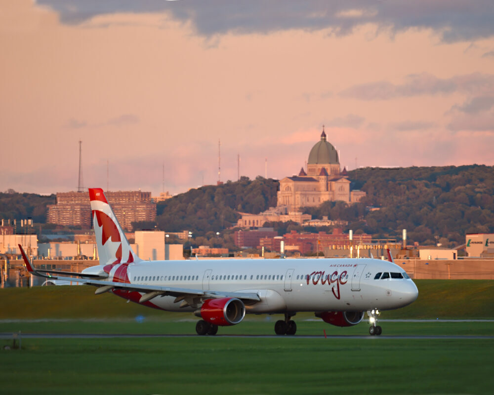Air Canada Rogue resumes operations